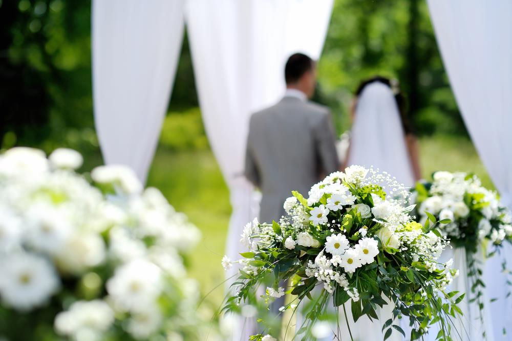 Indoor Weddings vs. Outdoor Weddings