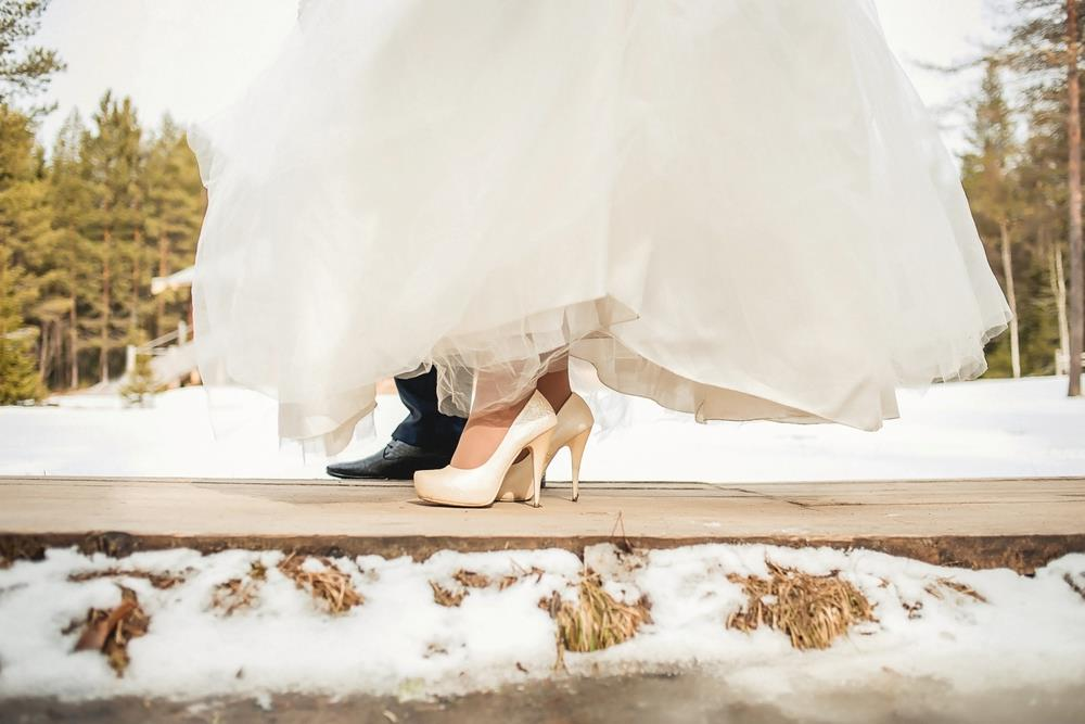5 Tips for Having a Frugal Off-Season Wedding