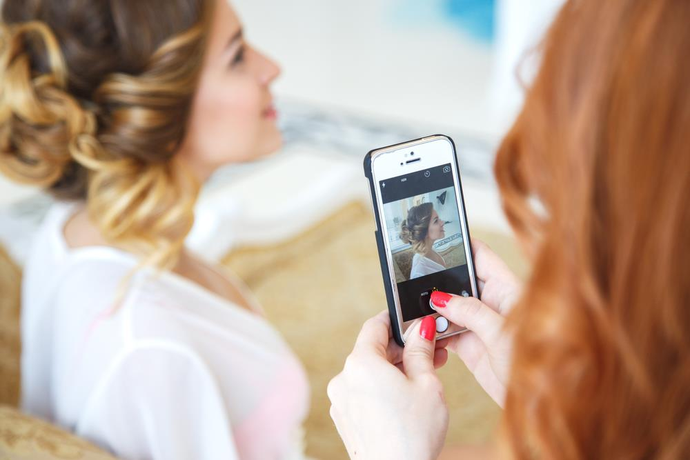 How To Incorporate Social Media Into Your Special Day