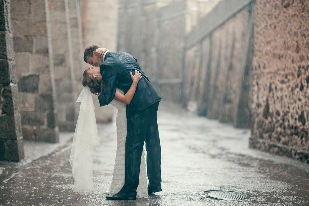 How to Embrace Your Messy Wedding Day Weather