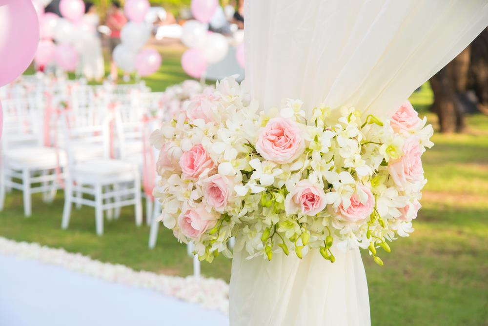 6 Wedding Decorations for a Perfect Outdoor Wedding Ceremony