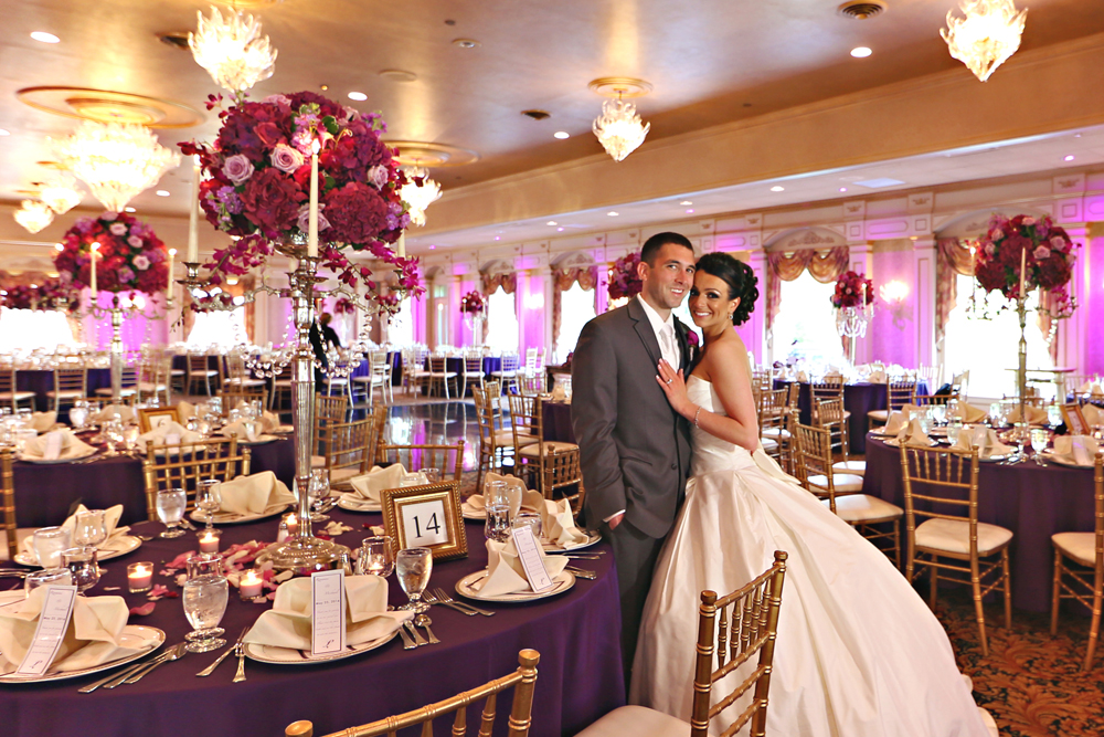 A newly married couple's wedding photo in il Tulipano Grand Ballroom