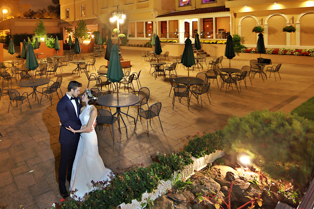 Wedding photo in an outdoor wedding venue in NJ - il Tulipano Piazza